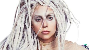 Lady Gaga se pronuncia sobre R.Kelly y elimina 'Do What U Want' de plataformas digitales