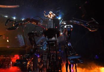 #SABIASQUE el robot de ENIGMA es en realidad una marioneta, y tiene un por qué