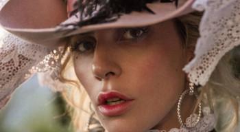 Lady Gaga escribe un artículo muy personal para Harper's Bazaar