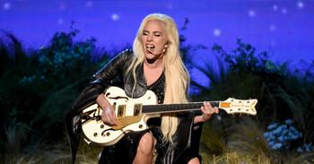 Lady Gaga canta Million Reasons en los American Music Awards 2016