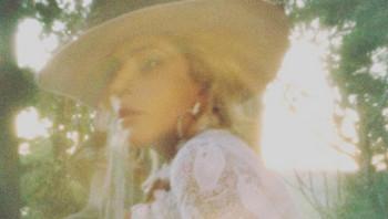 Joanne no iba a ser así, Lady Gaga cambió de concepto