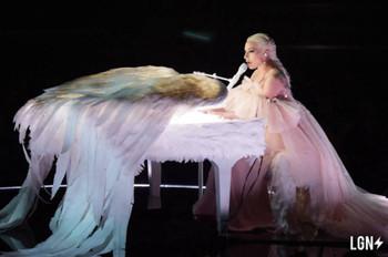 Lady Gaga actúa en Los Grammy 2018 con Joanne y Million Reasons