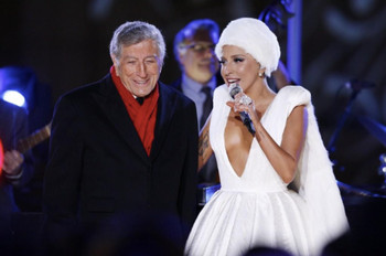 Lady Gaga y Tony Bennett actúan en Christmas in Rockefeller Center