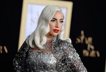 Lady Gaga, preciosa, durante la premiere de 'A Star Is Born' en Los Ángeles