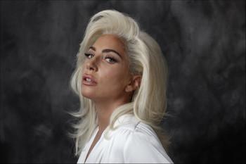 """""""Lo que me hace sentir bella es la felicidad de mis fans"""", Lady Gaga para LA Times"""