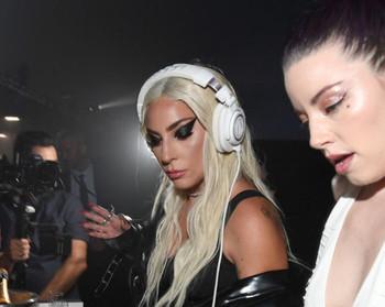 Lady Gaga ya nos ha dicho como será LG6 y no nos hemos dado cuenta